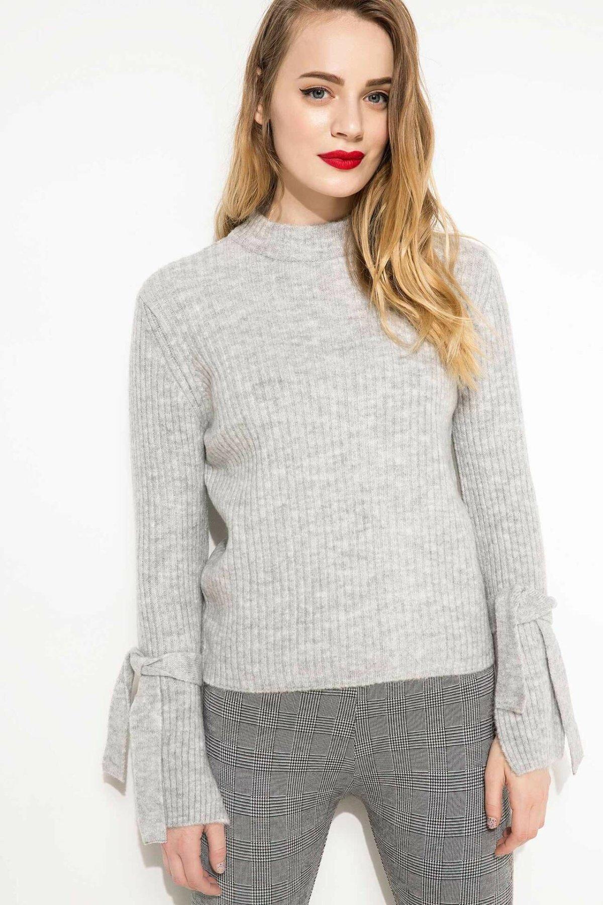 DeFacto Women Simple O-neck Flare Sleeves Pullover Sweatshirts Fashion Leisure Knitted Tops Female -H6579AZ17WN-H6579AZ17WN
