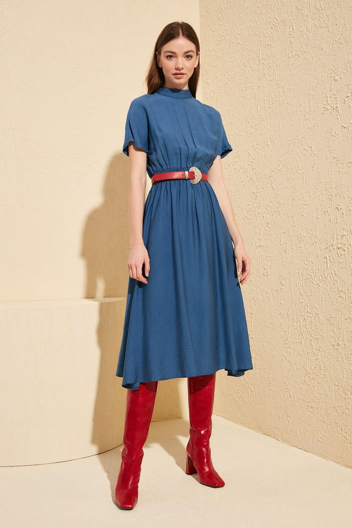 Trendyol Upright Collar Dress TWOSS20EL0167