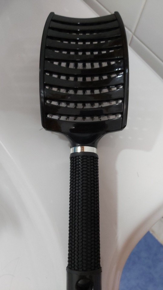 Professional Hair Brush and Massage Comb for Hair Hairdresser - Hairdressing Tools photo review
