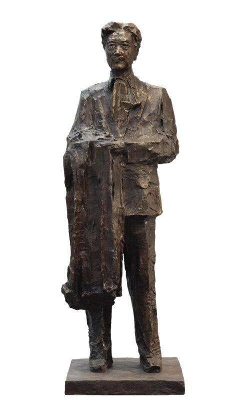 3 迥立向苍苍--徐悲鸿  吴为山 铸铜 雕塑 53×61×175cm 2006年 中国美术馆藏.jpg