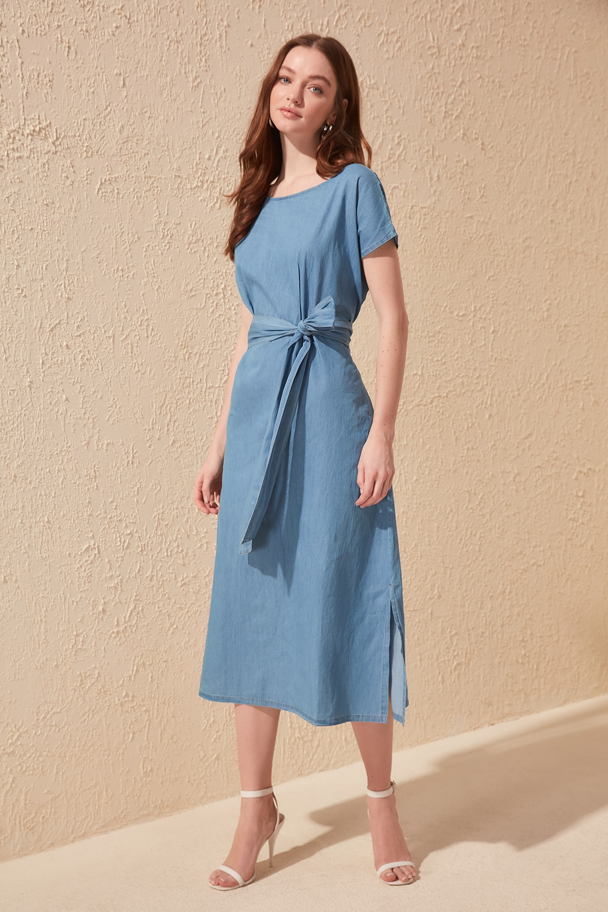 Trendyol Arched Slash Detailed Denim Dress TWOSS20EL0513