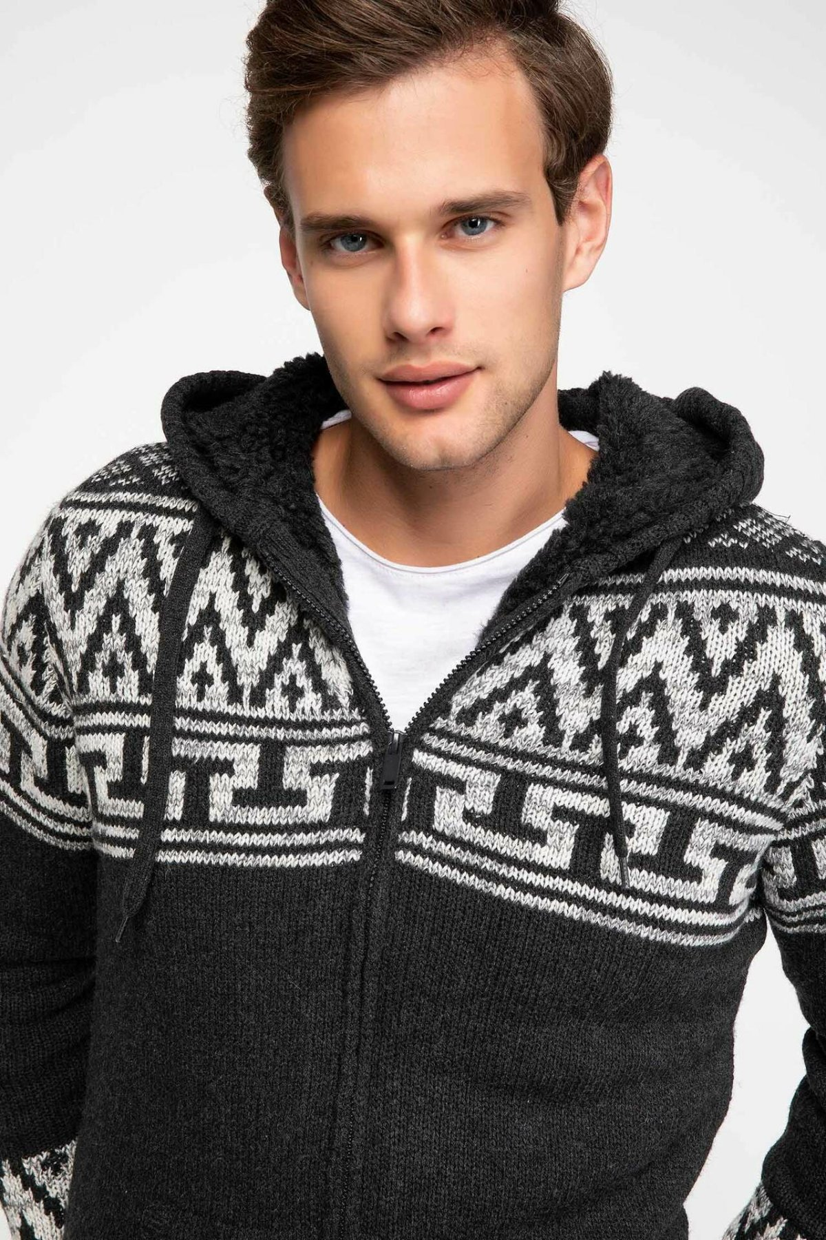 DeFacto Man Knitted Sweater Cardigan /Men Winter Thick Hooded Long Sleeve Sweaters Male Top Coats Bolero-J3748AZ18WN