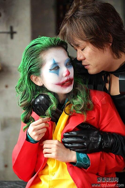 这套装扮你还能认出她是谁吗?蝙蝠侠的对手「小丑」