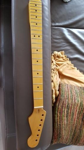 -- Guitarra Elétrica Substituição