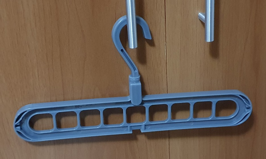 Magic Multi-Port Support hanger photo review