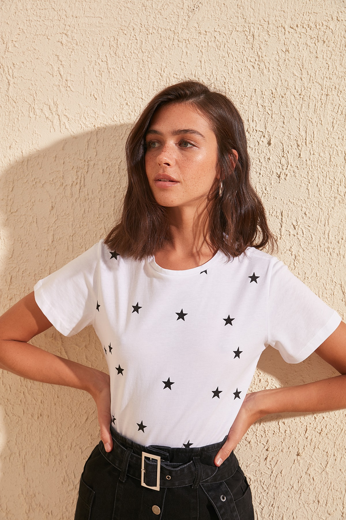 Trendyol Star Printed Basic Knitted T-Shirt TWOSS20TS0757