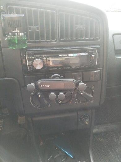 Universal Gravity Car Phone Holder photo review