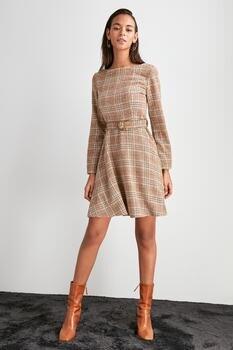 Trendyol арочное платье TWOAW20EL2128