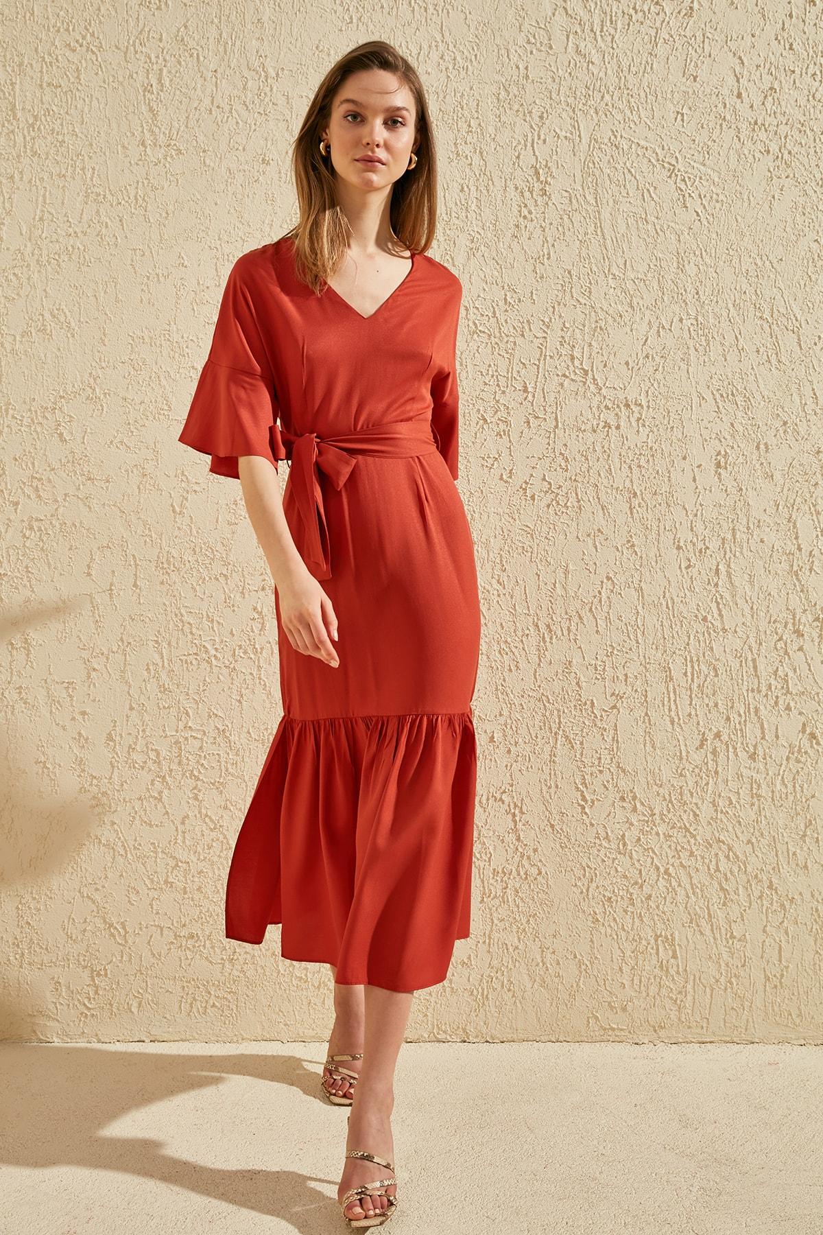 Trendyol Belted Dress TWOSS20EL0261
