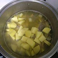 懒人鸡架炒土豆的做法图解3