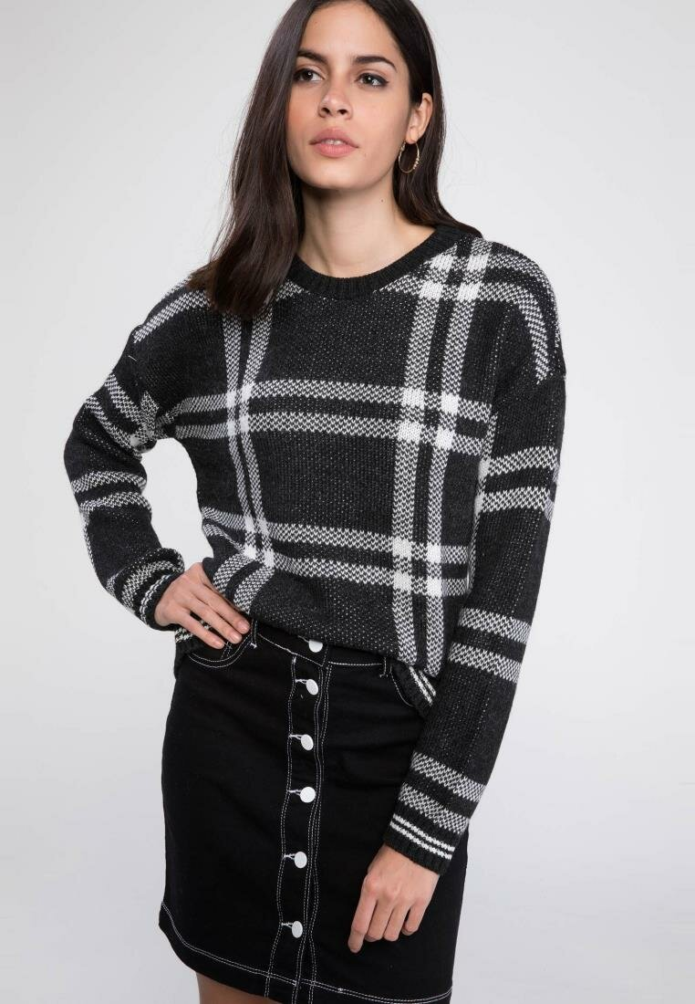 DeFacto Women O-neck Grids Pullovers Striped Plaid Black Yello Casual Simple Pullover Long Sleeves Women Knitted Top G1231AZ18AU