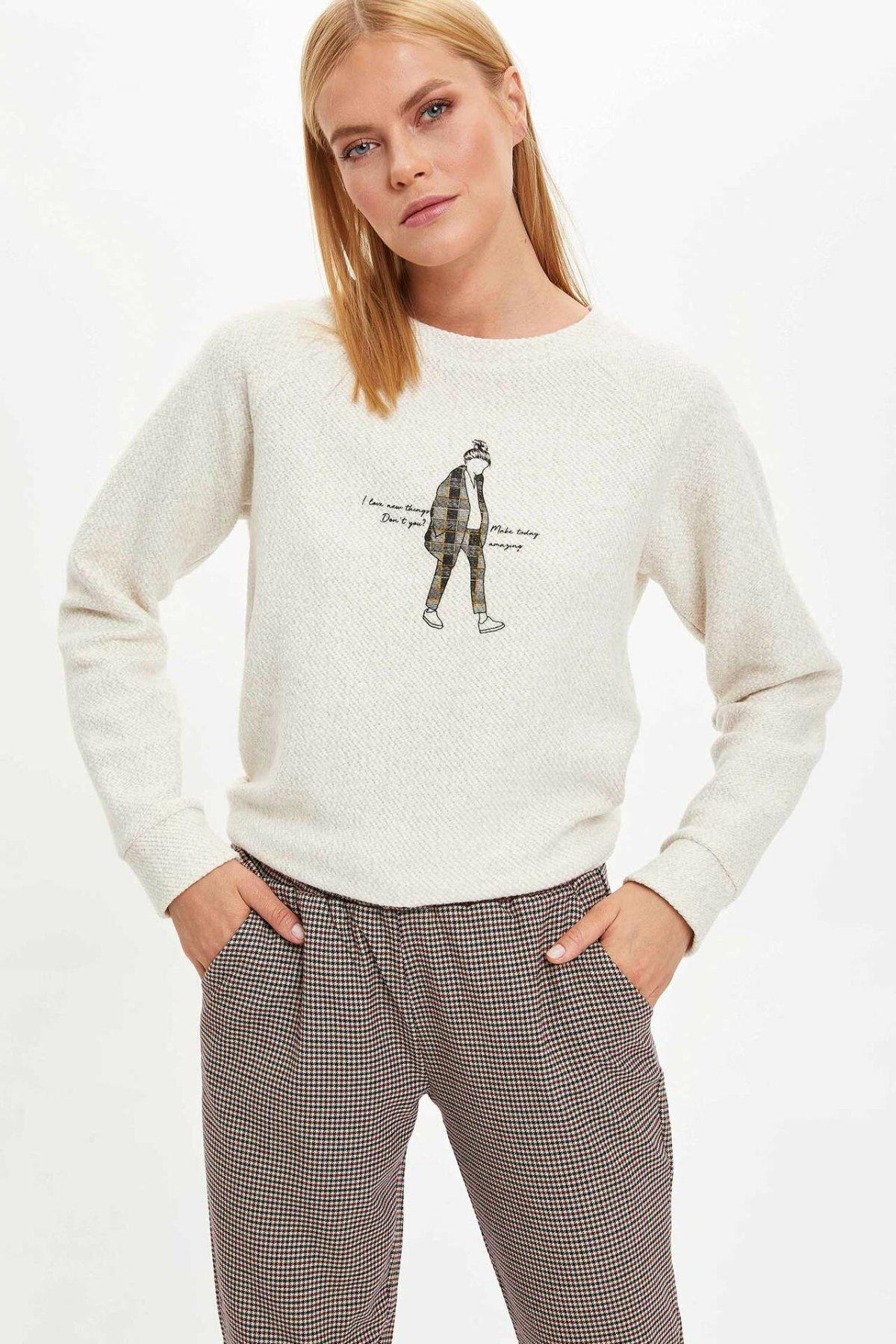 DeFacto Woman White O-neck Sweat Shirt Women Autumn Casual Pullovers Cool Image Design Female Tops Long Sleeve Top-M3359AZ19WN