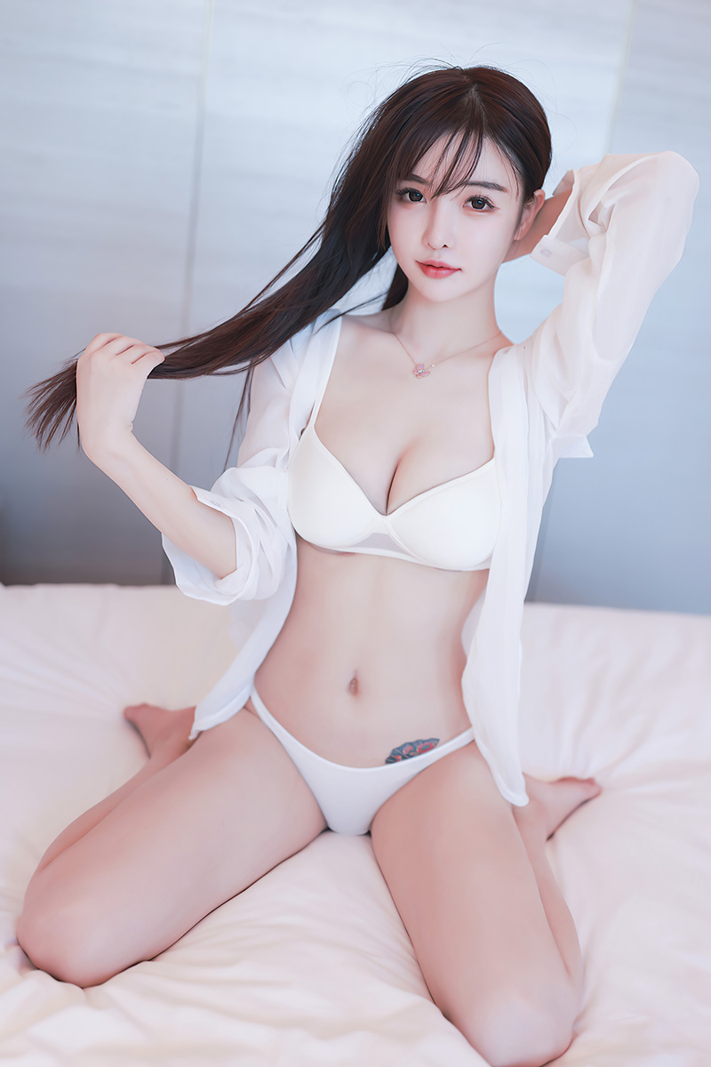 抖音主播美女南初妹妹私房性感白色内衣哟吼·诱惑写真集照片49P