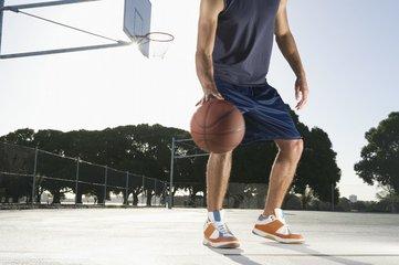 打篮球对身体的好处 如何训练弹跳力-养生法典