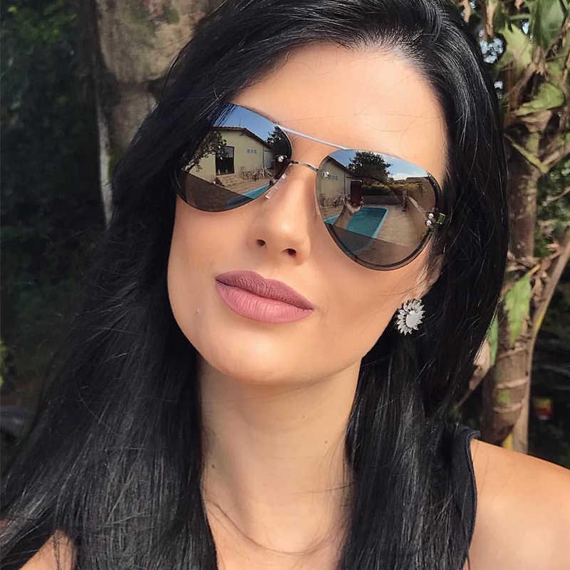 Картинки брюнеток красивых в очках солнечных
