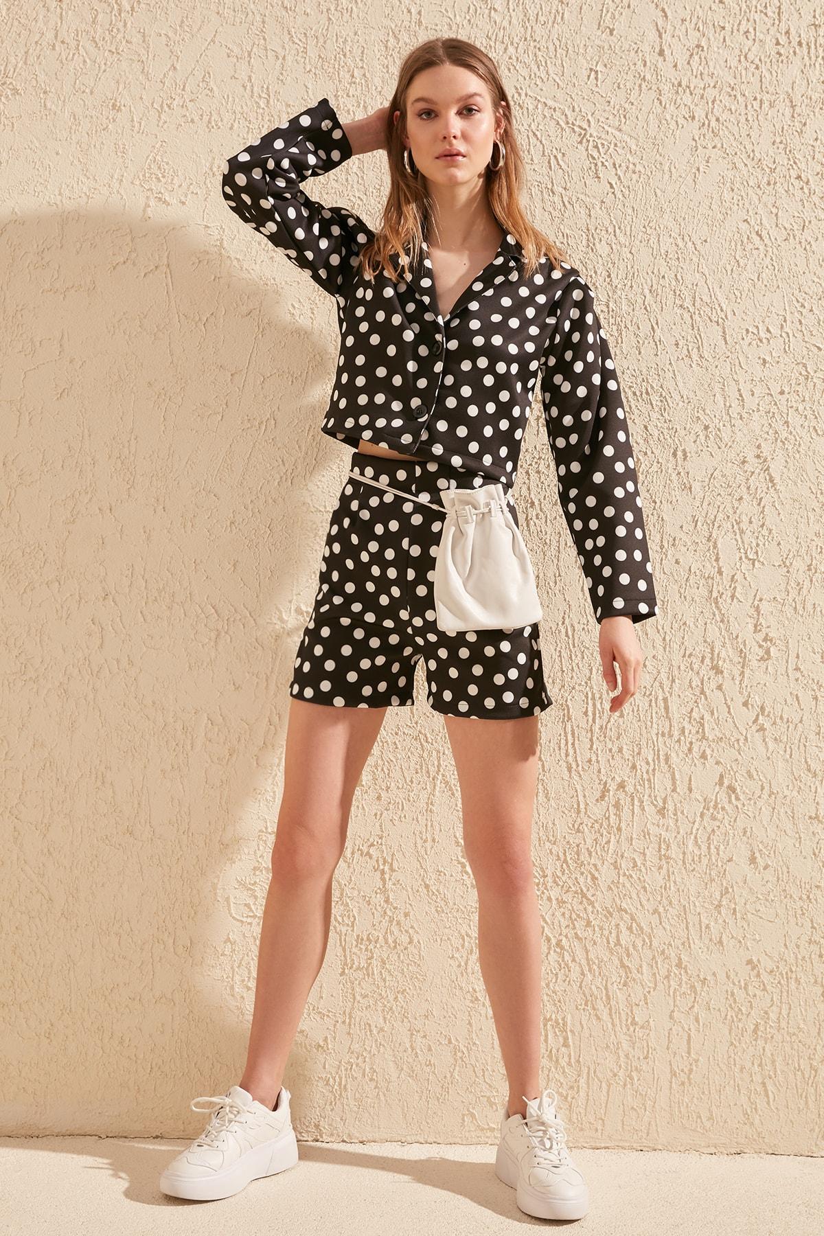 Trendyol Polka Dot Knitted Shorts & Bermuda TWOSS20SR0011