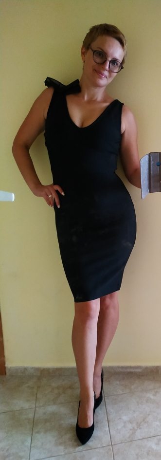Summer Bodycon Bandage Dress Women Sexy Black V Neck Ruffles Mesh Backless Vestidos Celebrity Evening Party Dress photo review