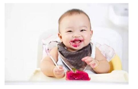 婴儿养育方面的知识婴儿可以适量食用火龙果-养生法典