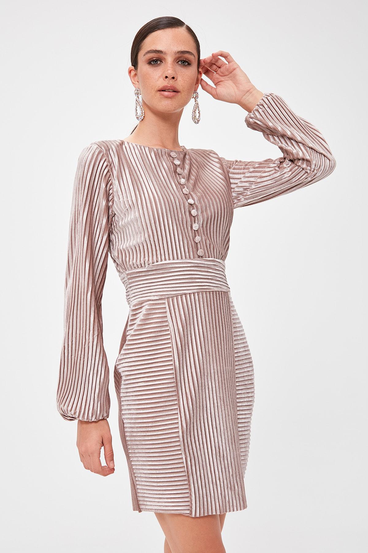 Trendyol Button Detail Velvet Dress TPRAW20EL0839