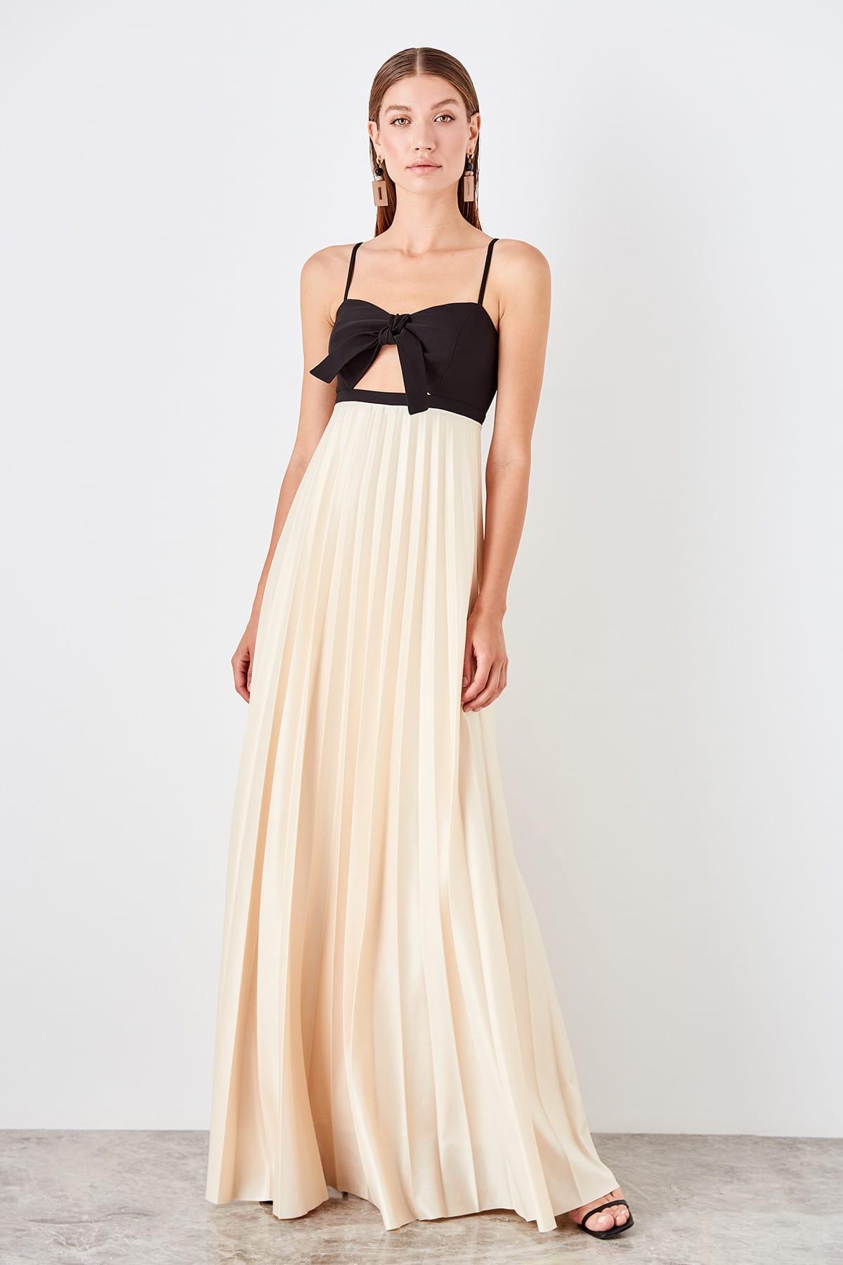 Trendyol Pilise Detailed Evening Dress TPRSS19UZ0129