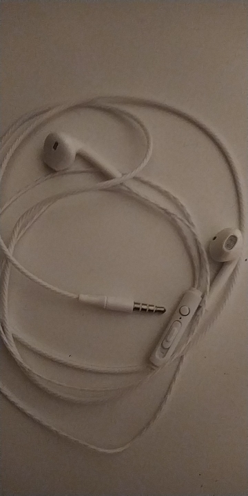 Auriculares estéreo de graves con cable, Auriculares deportivos impermeables de colores llamativos, auriculares para música, par