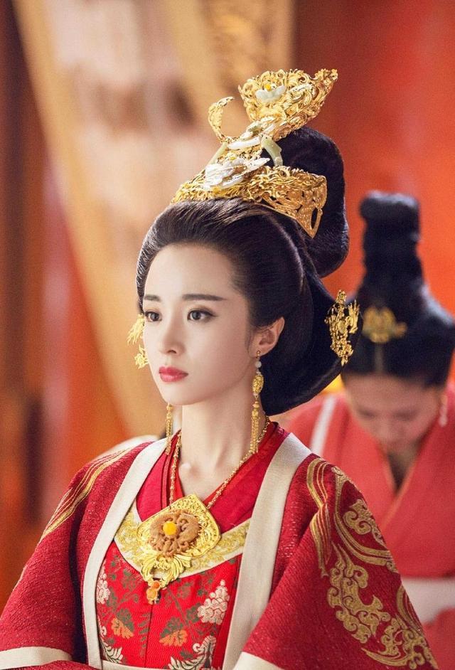 杨坚和独孤伽罗的爱情故事,隋文帝杨坚为什么改立杨广为太子?