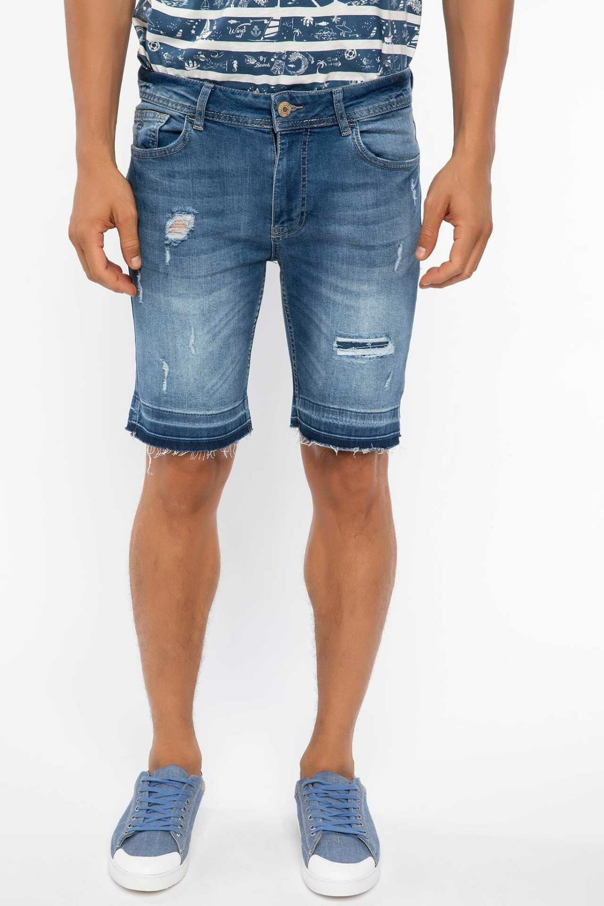 DeFacto Summer Men Ripped Holes Denim Shorts Sky Blue Washed Short Denim Jeans Bermuda I8988AZ18HSNM28-I8988AZ18HS