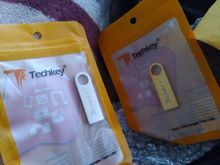 Bought two, before Orenburg was 2-3 weeks. I asked the store two flash drives with one par