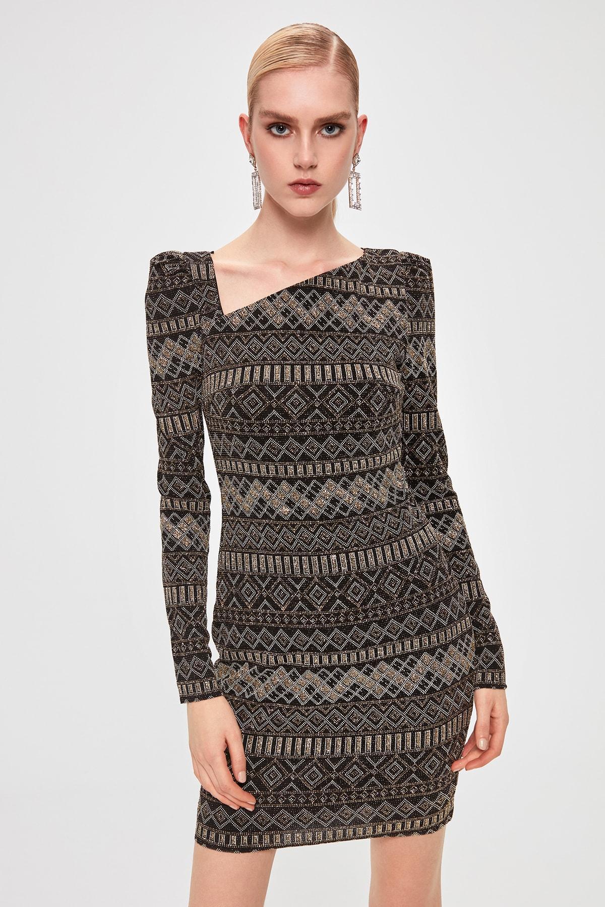 Trendyol Collar Low-Cut Dress TPRAW20EL1594()