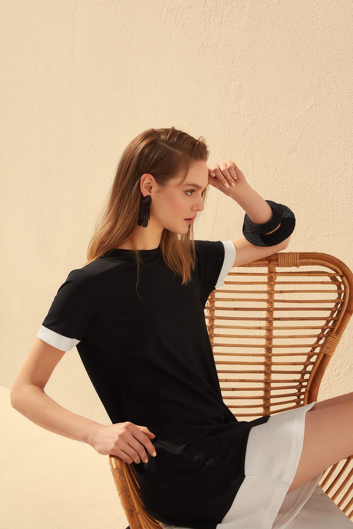 Trendyol With Color Block Knit Dress TWOSS20EL0652