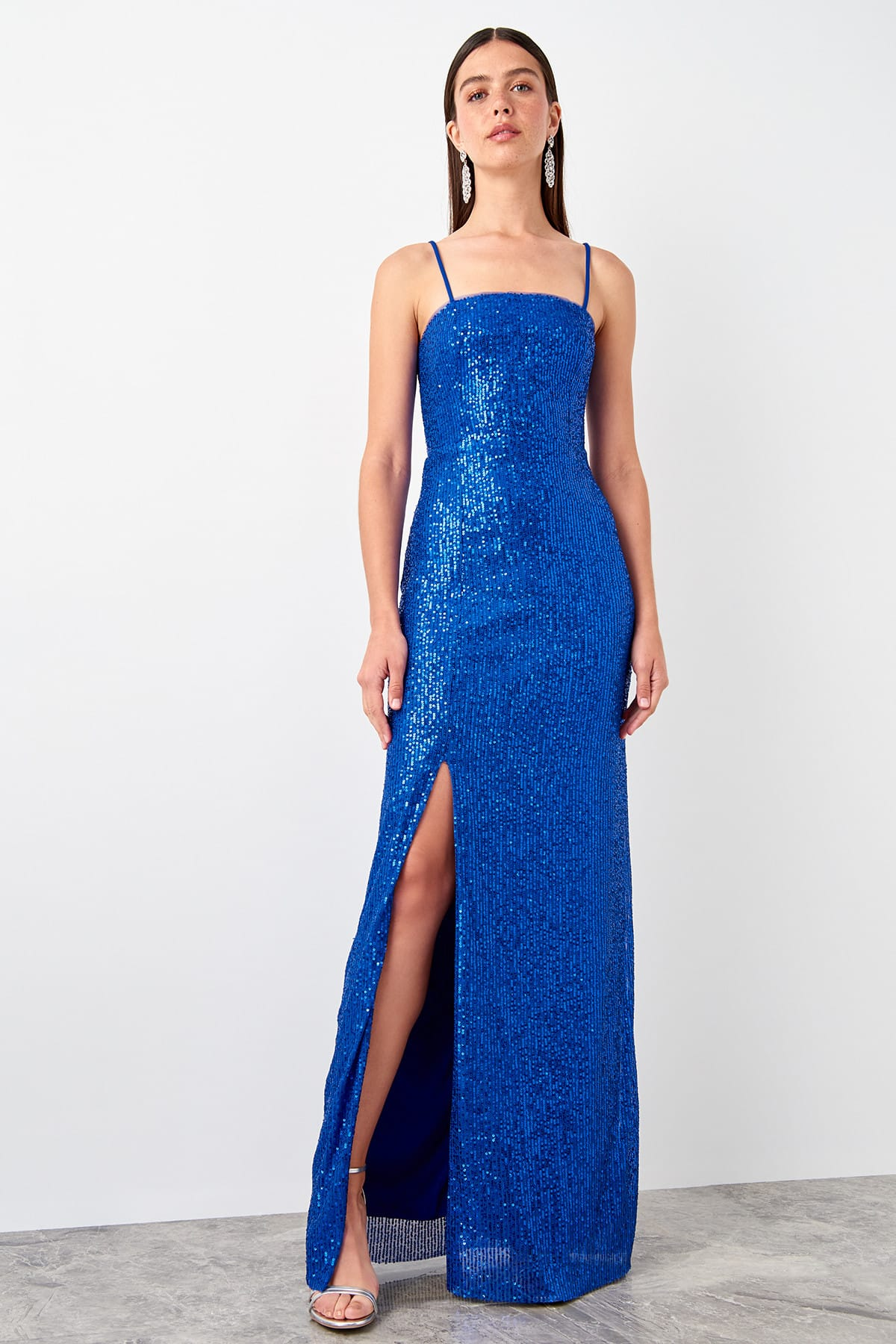 Trendyol Slit Sequin Evening Dress TPRSS19AE0116