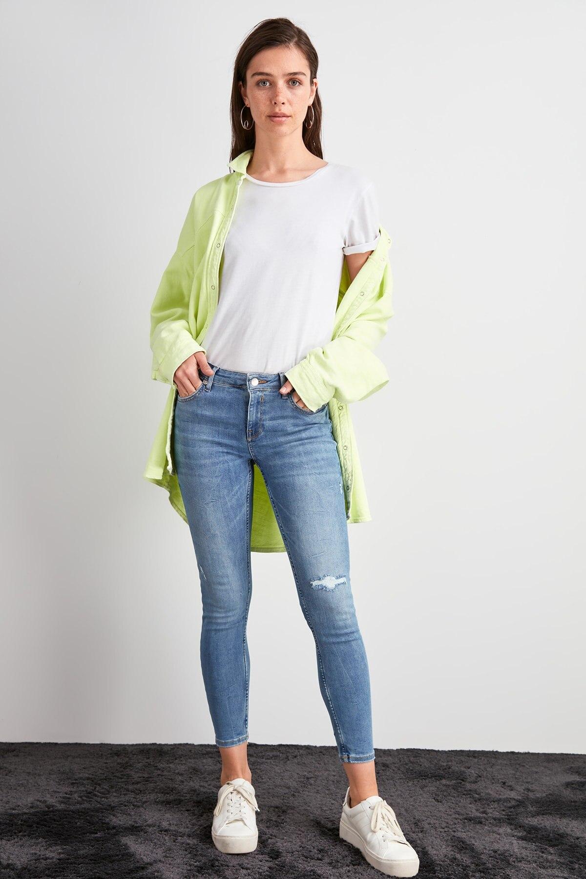 Trendyol Normal Waist Skinny Jeans TWOAW20JE0472