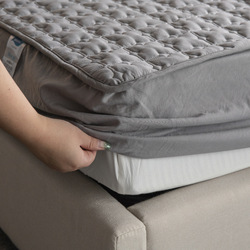 ADOREHOUSE Waterproof Bed Cover Queen Size Washable Solid Color Mattress Cover Cotton Embossed Quilted King Mattress Protector