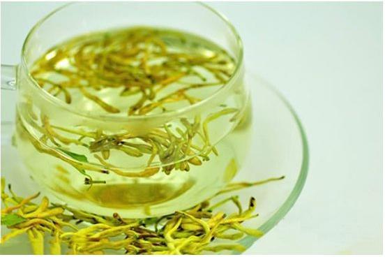泡金银花茶加入糖的正确选择方式 泡金银花加入冰糖味道更好-养生法典