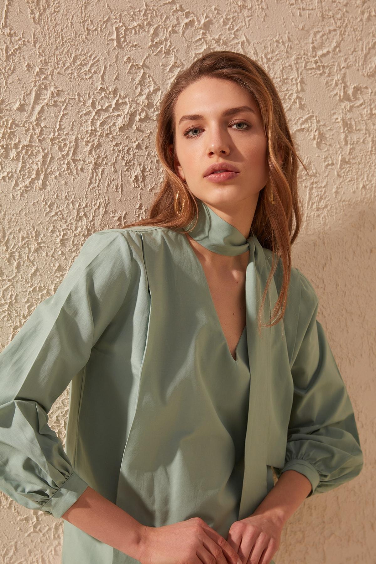 Trendyol Collar Detailed Bluz TWOSS20BZ0038