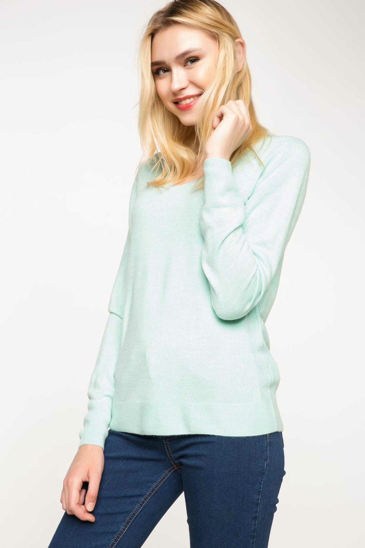 DeFacto Woman Fashion V-neck Pullovers Long Sleeves Pure Color Casual Knitted Pullovers Women Autumn New - F7088AZ17AU