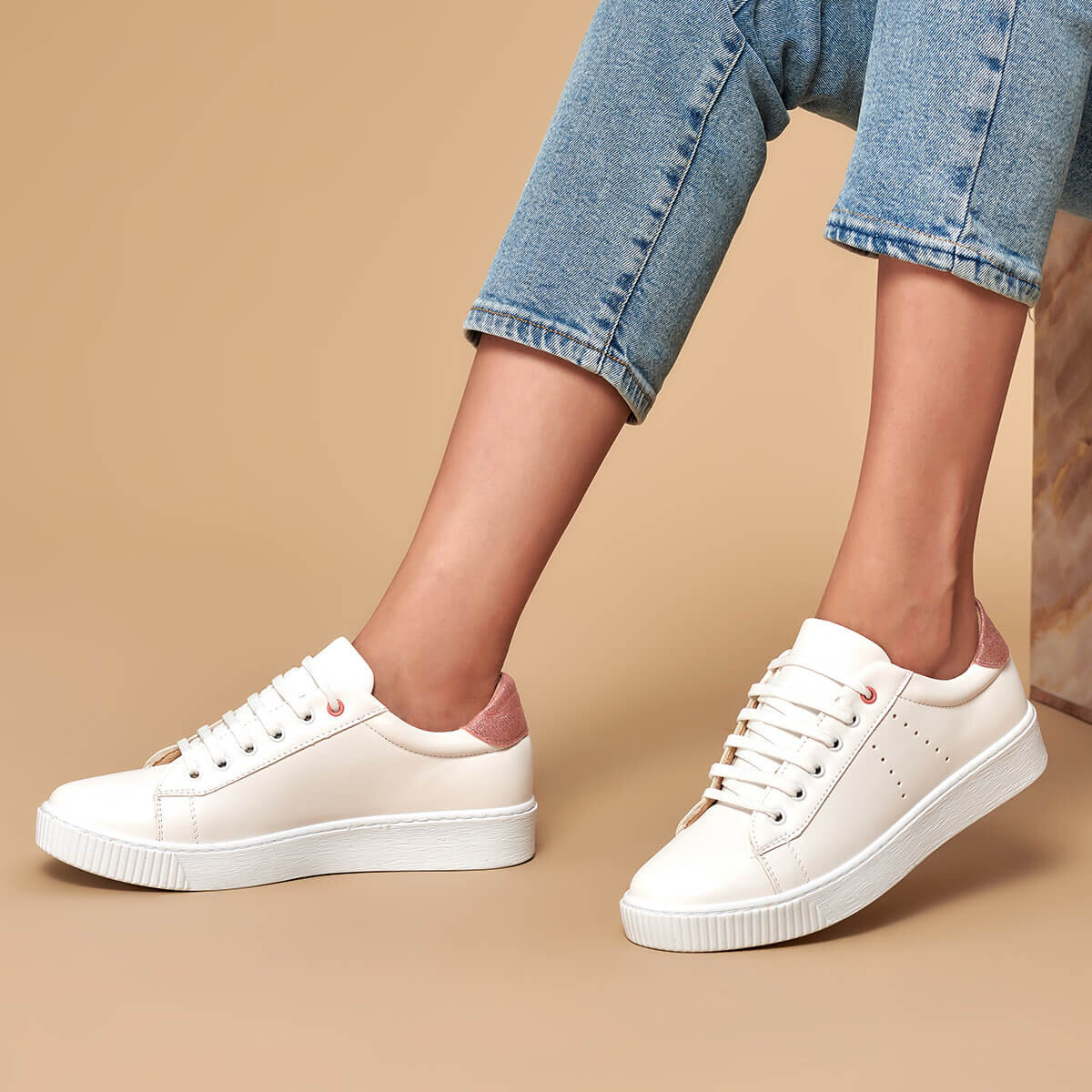 FLO 19K-405 White Women 'S Sneaker Shoes BUTIGO