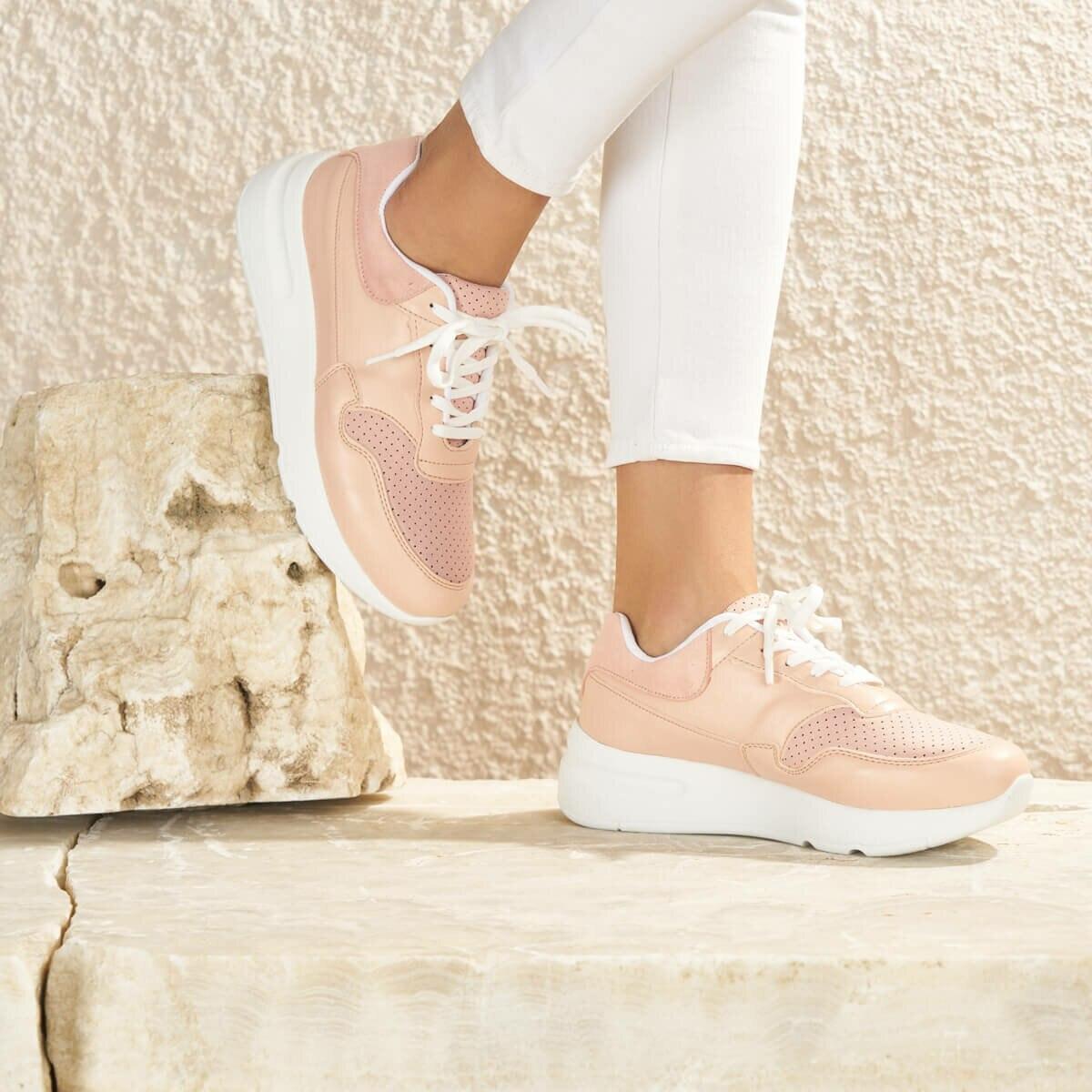 FLO GAİ04Z Powder Women 'S Sneaker Shoes BUTIGO