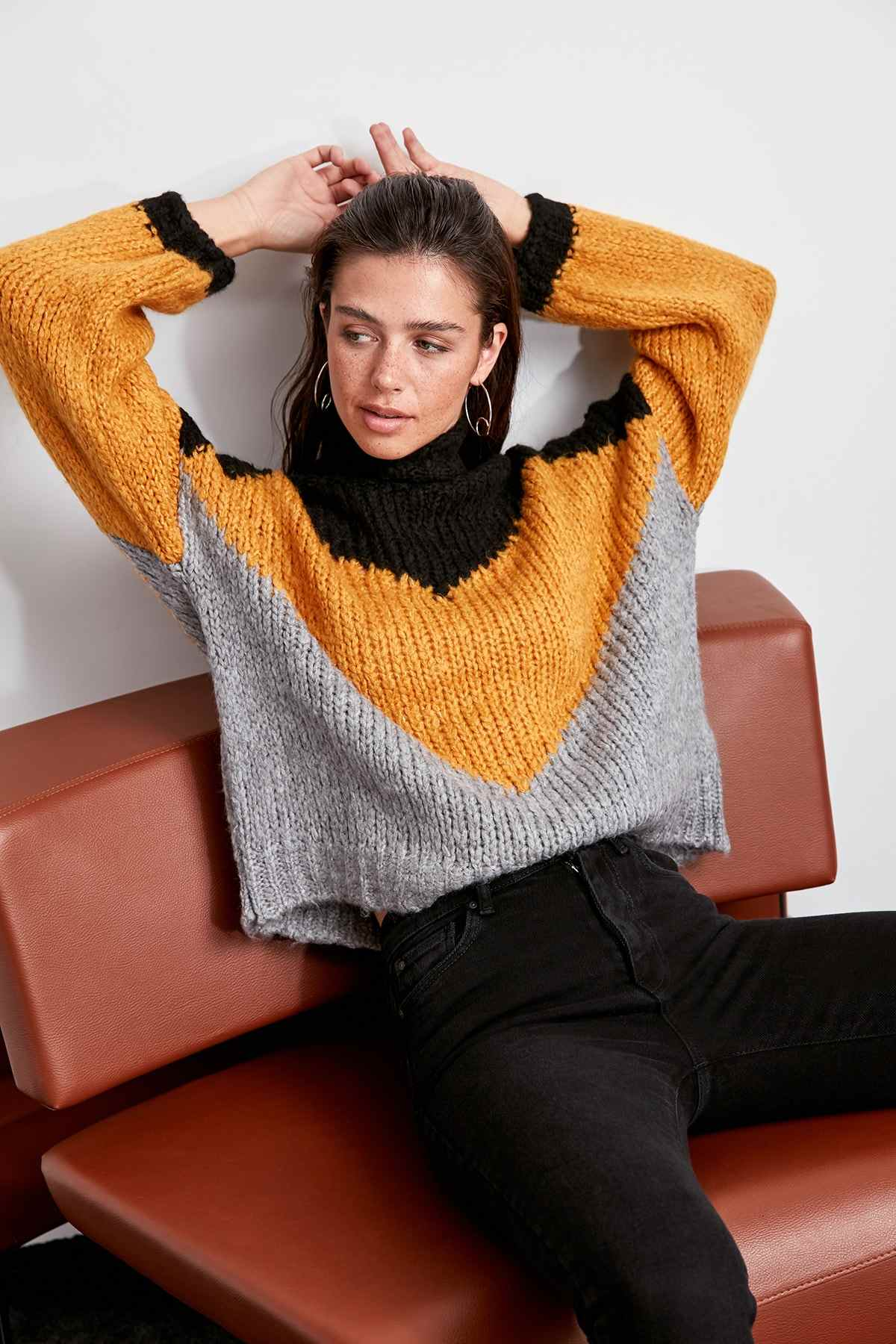 Trendyol WOMEN-Black With Color Block and Turtleneck Sweater Sweater TWOAW20ZA0009