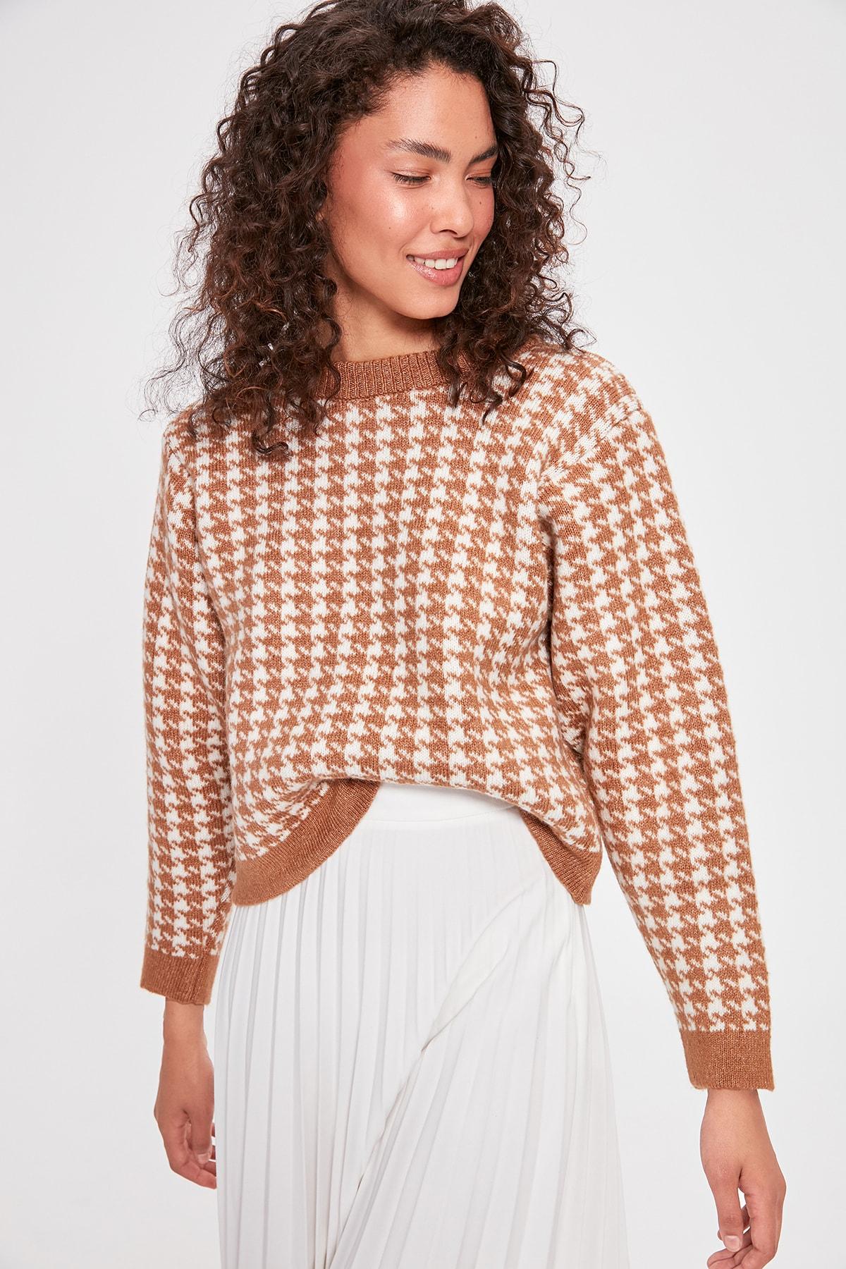 Trendyol Camel Crowbar Patterned Knitwear Sweater TWOAW20KZ0605