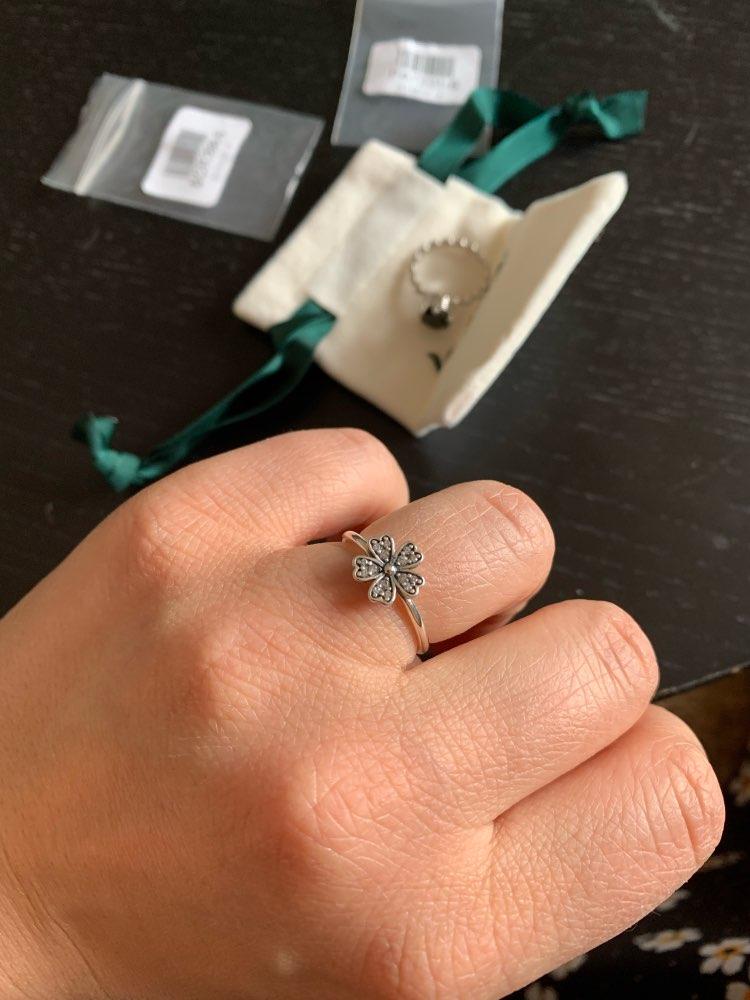 Elegant 925 Sterling Silver Dazzling Daisy Flower Ring