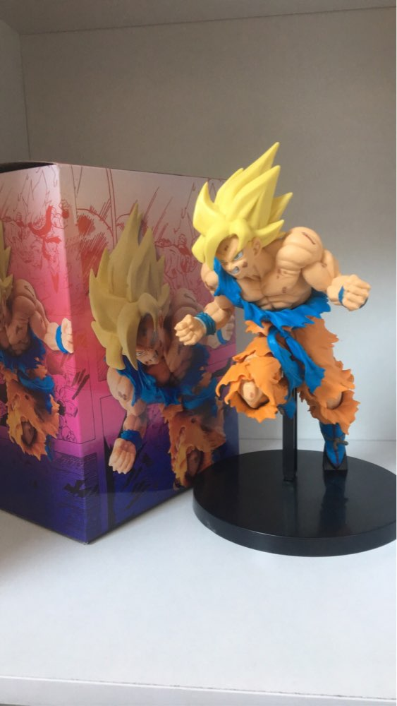 FIGURINE SON GOKU SUPER SAIYAN - DRAGON BALL Z