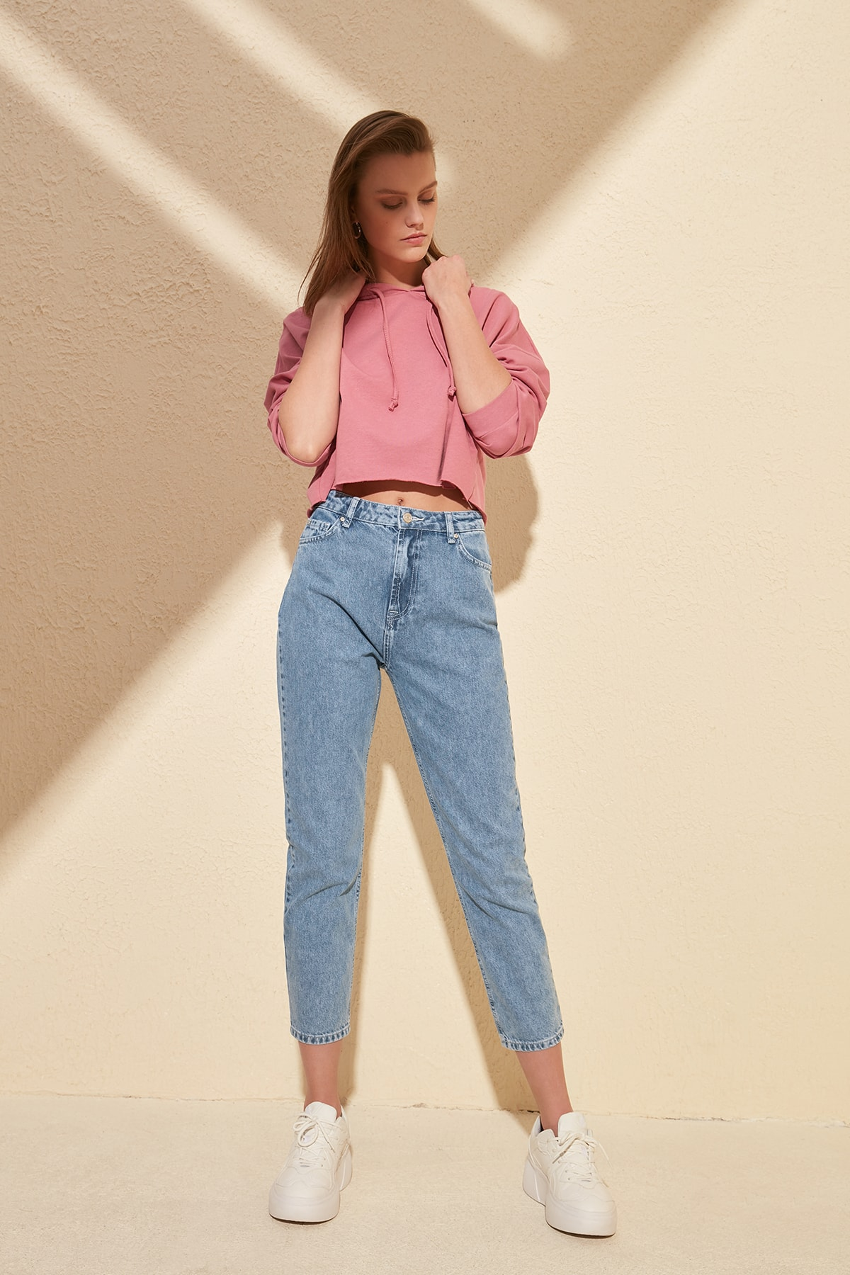 Trendyol High Bel Mom Jeans TWOSS20JE0026