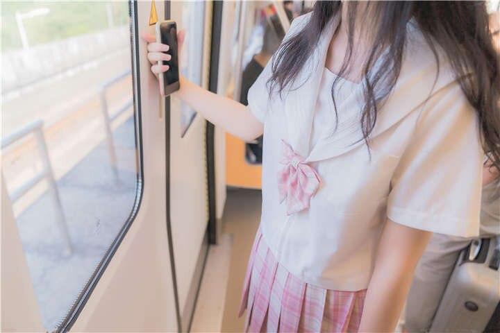 杪夏 - 制服露出 [30P/246MB]