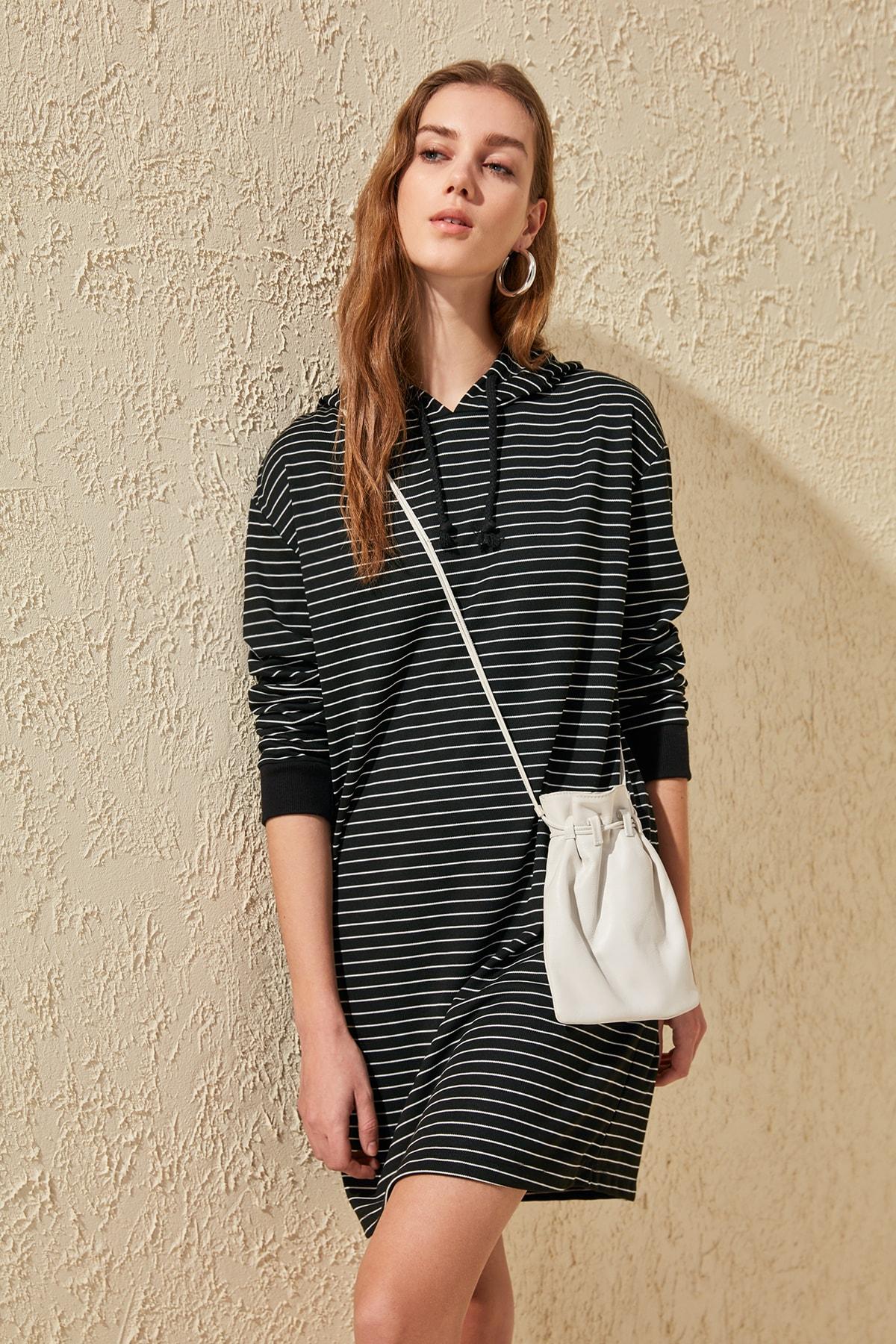 Trendyol Striped Knit Dress TWOSS20EL0663