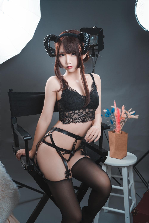面饼仙儿 束腰魅魔[28P-406MB]插图3