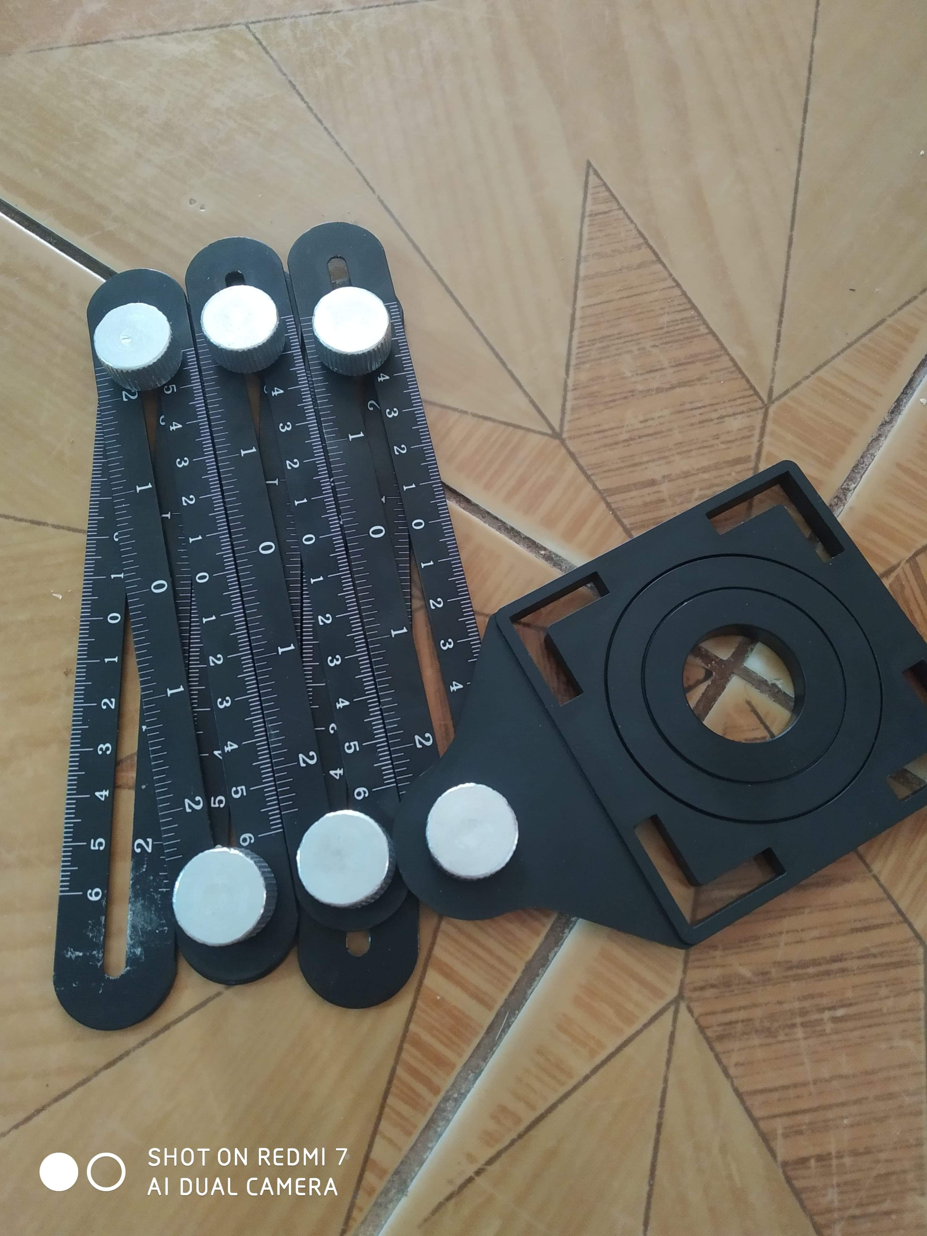 Multi-Angle Measuring Ruler Six-Sided With Hole Locator photo review