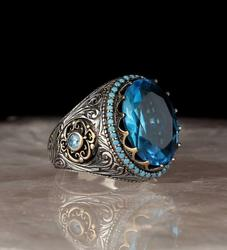 Мужское серебряное кольцо с голубым топазом
