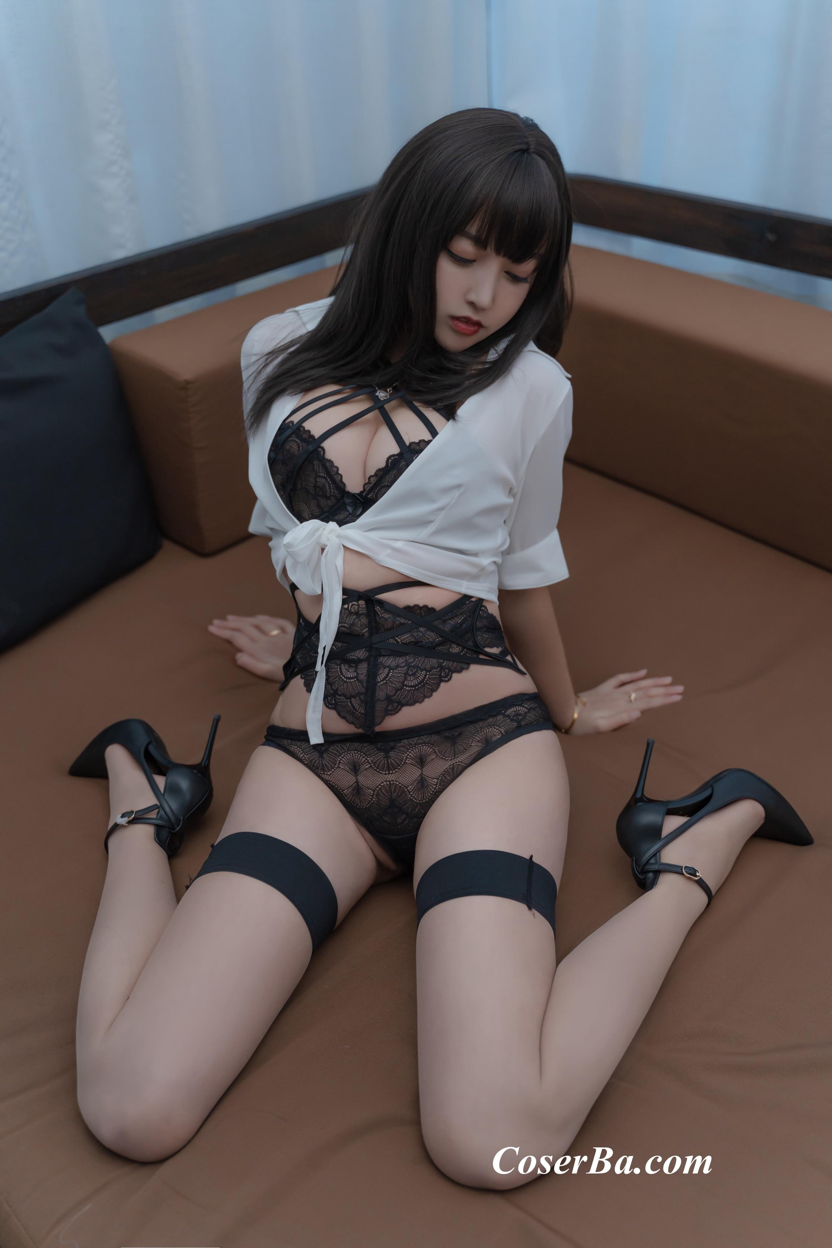 过期米线线喵 2套作品职场新人+胶衣恶魔[89P/166M] www.coserba.com整理发布