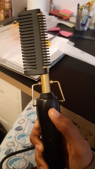 Flat Iron Hair Straightening Brush and Hot Heating Comb photo review